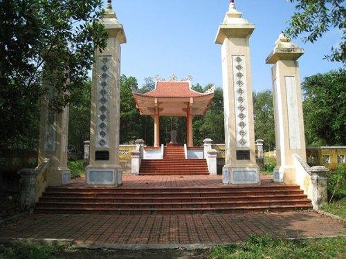 Khu mộ Lễ Thành hầu Nguyễn Hữu Cảnh ở Khe Ho, Lệ Thủy, Quảng Bình